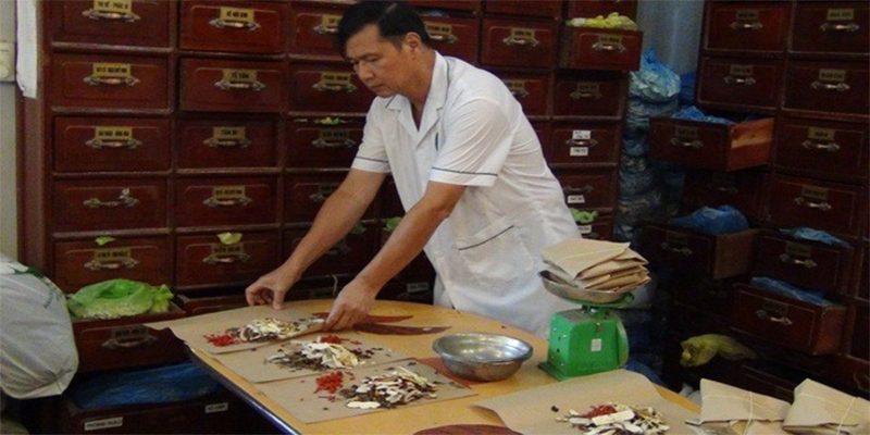 Bác sĩ Nguyễn Hữu Toàn